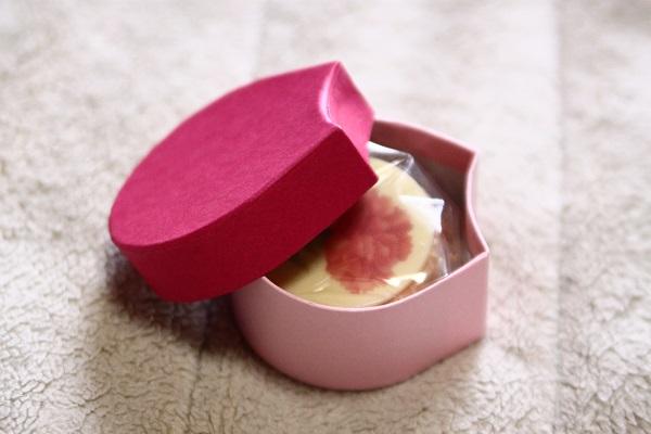 MAQUI'S フラワーチョコサンド 花びらの小箱