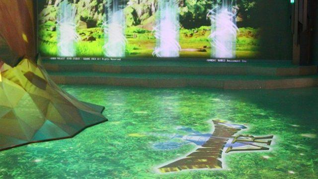 VR ZONE新宿 エントランスホールのプロジェクションマッピング1